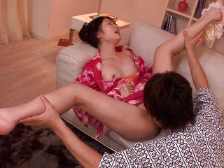 порно азиатки первый раз