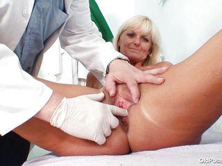 Голые зрелые женщины в порно